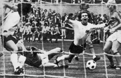 1974_penal_a_holzenbein_final_400