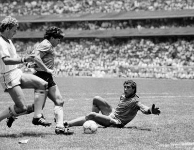 argentinainglaterra_1986_gol_maradona_400