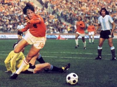cruyff_contra_argentina_400