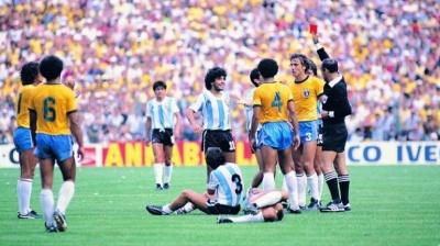 expulsion_maradona_brasil_400