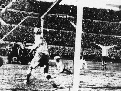 final_1930_tercer_gol_uruguayo_cea_400
