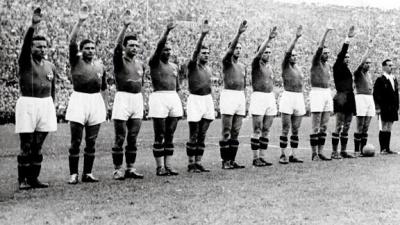 franciaitalia_1938_saludo_fascista_400