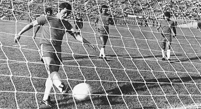 gol_chile_eliminatorias_urss_1_400_01