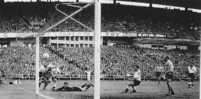hamrin_1958_3_gol_contra_alemania_400