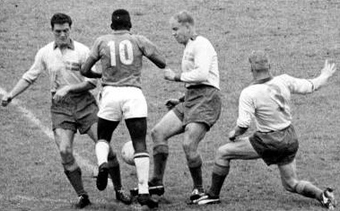 pel_vs_swedish_defenders_1958_02