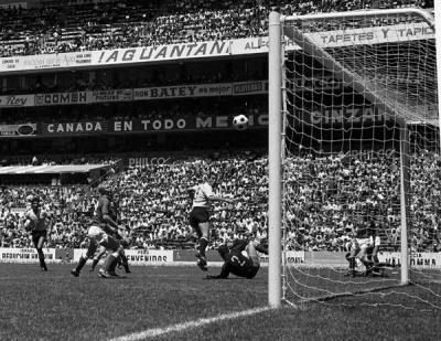 uruguayurss_gol_esparrago_400